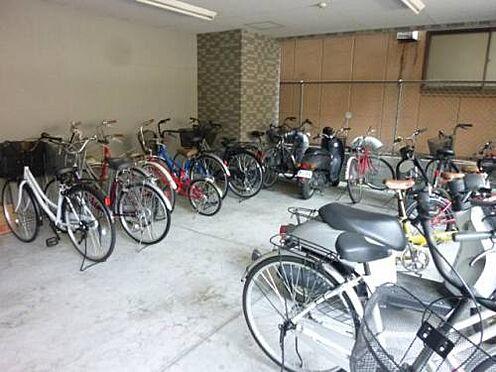 マンション(建物一部)-大阪市東淀川区東中島1丁目 明るい印象の駐輪スペース