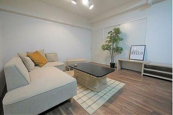 マンション(建物一部)-北九州市八幡東区白川町 大きなソファーを置いてもゆったり♪