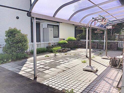 中古一戸建て-刈谷市築地町2丁目 カーポート付きの駐車場です。