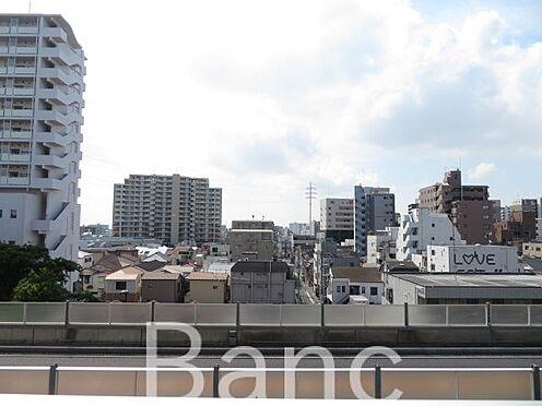 中古マンション-葛飾区東新小岩3丁目 明るいバルコニーからの眺望です。