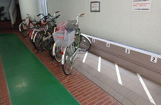 マンション(建物一部)-大阪市西区新町1丁目 屋内に駐輪場