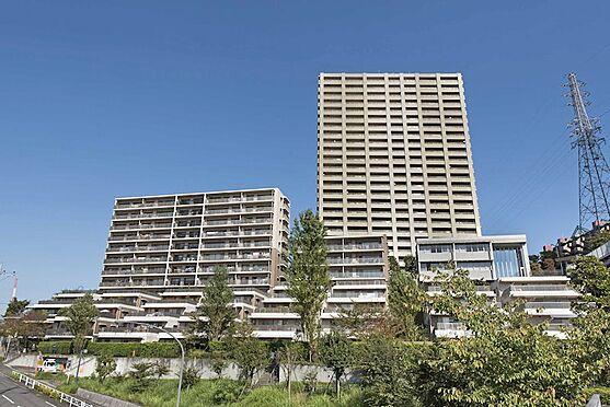 中古マンション-八王子市別所1丁目 南大沢のランドマークタワー。全7棟構成で406世帯の大規模マンションです。駅までのアクセスも良いです