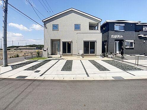戸建賃貸-西尾市吉良町木田祐言 駐車スペースもしっかり確保。運転が苦手なママも楽々駐車できます!