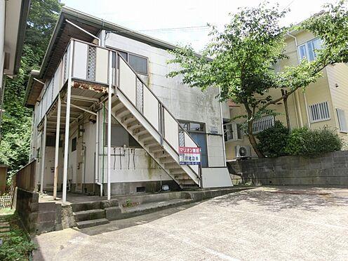 アパート-横須賀市粟田2丁目 緑に囲まれた自然豊かな立地です。