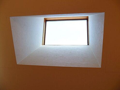 中古一戸建て-町田市小山町 天窓から光が差し込みます。
