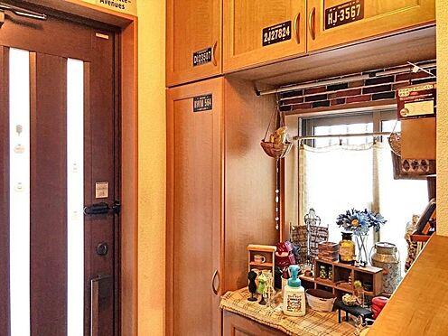 中古一戸建て-岡崎市上地1丁目 明るい玄関があなたの帰りを迎えてくれます。