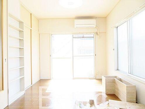 中古マンション-中野区中央1丁目 明るい陽ざしが差し込む洋室