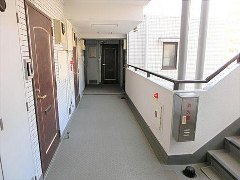 マンション(建物一部)-墨田区千歳2丁目 廊下です。