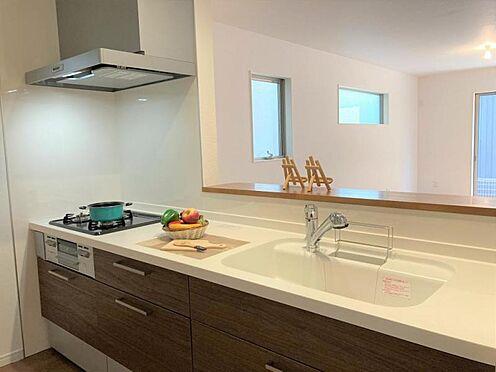 新築一戸建て-東海市養父町八ケ池 作業スペース広々としたキッチン(写真は2号棟仕様です)