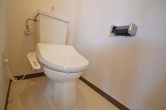 マンション(建物全部)-松阪市駅部田町 ウォシュレット機能付きのトイレ。