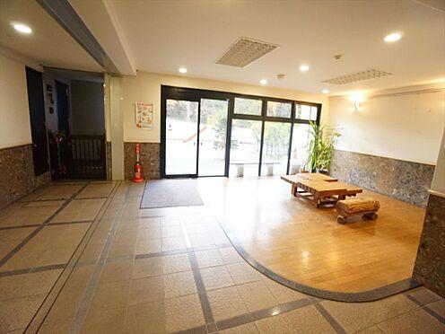 中古マンション-仙台市泉区七北田字八乙女 エントランスロビーは広く明るいスペースです。