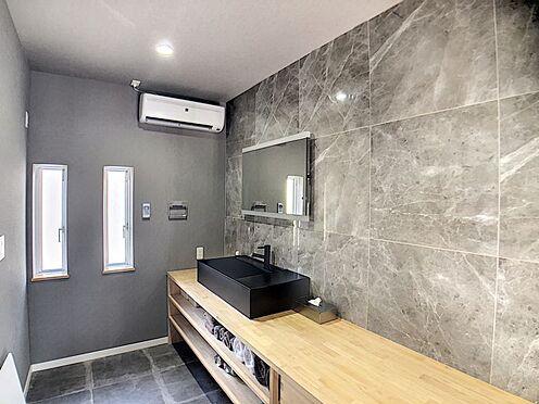 中古一戸建て-岡崎市鴨田町字向山 憧れの造作洗面台!毎日使う洗面台だからこそ、こだわりの空間にしたいですよね。
