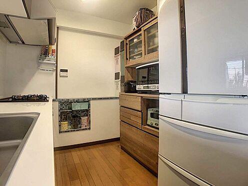 中古マンション-豊田市寿町7丁目 スペースにゆとりがあるので、食器棚等もラクラク置いていただけます。