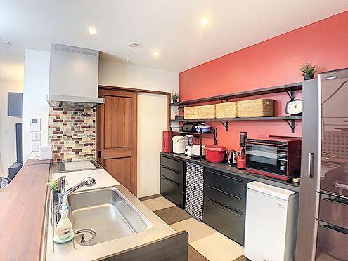 戸建賃貸-西尾市平坂吉山1丁目 換気扇はフィルター使用の為ほぼ未使用♪清潔感のあるキッチンでお料理が楽しくなります♪