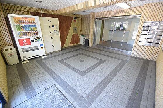 マンション(建物一部)-大阪市生野区林寺2丁目 明るいエントランス