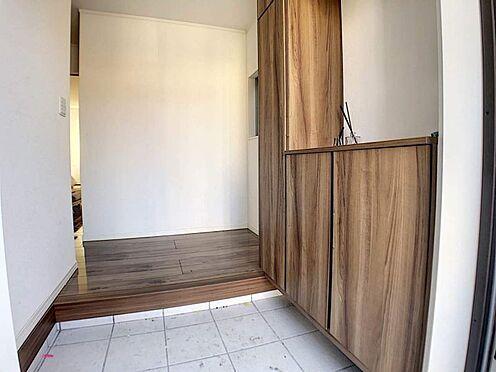 中古一戸建て-春日井市六軒屋町6丁目 玄関横にシューズボックスがついているので、片付いた玄関がキープできます!