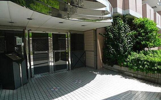 マンション(建物一部)-大阪市淀川区塚本1丁目 植栽のあるアプローチ