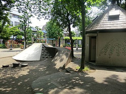 マンション(建物一部)-目黒区大橋1丁目 周辺環境:東山児童遊園