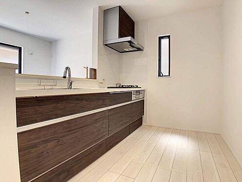 戸建賃貸-名古屋市千種区香流橋1丁目 お料理中も効率よく動ける広々としたキッチン。