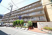 総戸数138戸からなる5階建てのマンション。通勤通学、買い物大変便利な住環境です。リノベーション工事完了につきいつでもご見学可能です。ご見学予約:047-325-6600まで