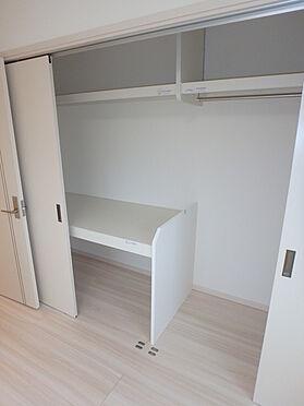 建物全部その他-東根市大字羽入 たっぷり収納 寝具も収納できて、洋服もかけられます。
