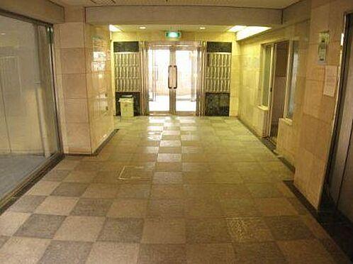マンション(建物一部)-大阪市西淀川区姫里1丁目 ぬくもりがあり、清潔な印象のエントランス。