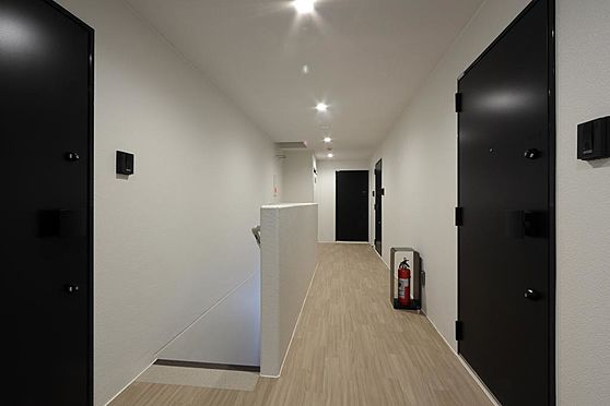 マンション(建物全部)-目黒区柿の木坂2丁目 室内廊下