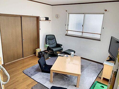 戸建賃貸-刈谷市野田町西田 リビング横には和室があり、ライフスタイルに合わせて便利にお使いいただけます。