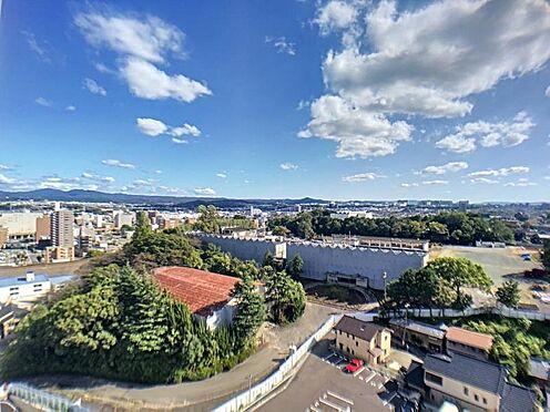 中古マンション-豊田市小坂本町5丁目 お天気の良い日は本当に良い景色です。遠方の山の稜線までハッキリ見えますね。