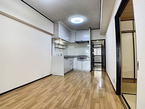 区分マンション-名古屋市中川区五女子1丁目 お子様の様子を見ながらお料理することが出来ます!