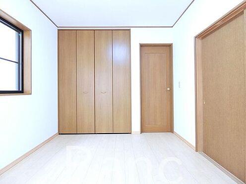 中古一戸建て-足立区佐野2丁目 収納付きの広々としたお部屋です。