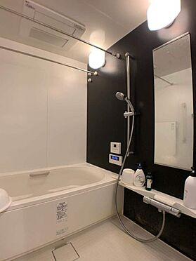 中古マンション-小牧市小牧2丁目 ゆったりとくつろぐことができる広々としたバスルーム。