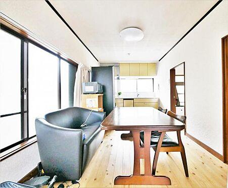 店舗・事務所・その他-横浜市保土ケ谷区仏向町 【LDK】窓の多いリビングは気持ちの良い日が差し込みます