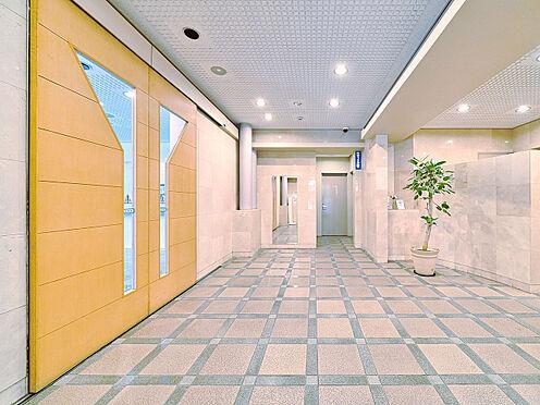 区分マンション-渋谷区恵比寿3丁目 大理石貼りの高級感のあるエントランスホール