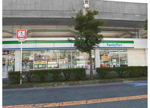マンション(建物全部)-八尾市桜ヶ丘3丁目 コンビニもすぐ近くにあります。