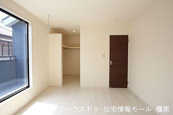 戸建賃貸-磯城郡田原本町大字阪手 2階洋室には全てクローゼットがございます。沢山の衣類や小物もすっきり整理できますね。