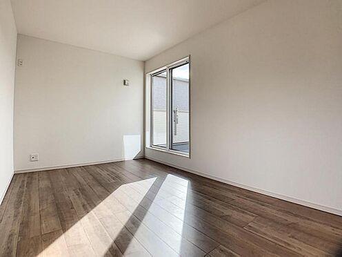 新築一戸建て-名古屋市守山区翠松園2丁目 大きな窓からは明るい光が入ります