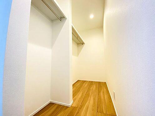 新築一戸建て-福岡市南区西長住3丁目 南側のお部屋には大きなWICが付いております!
