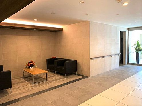 中古マンション-小牧市小牧2丁目 高級感のあるマンションロビー。