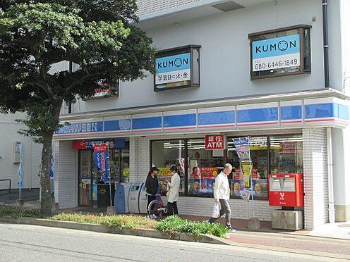 マンション(建物一部)-福岡市東区箱崎2丁目 マンションの目にあるコンビニエンスストア、便利です。