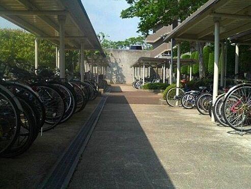 マンション(建物一部)-神戸市北区大原3丁目 雨を凌ぐ駐輪スペース