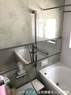 戸建賃貸-桜井市大字粟殿 浴室乾燥機を完備。雨の日のお洗濯や、浴室のカビ予防にも活躍します。