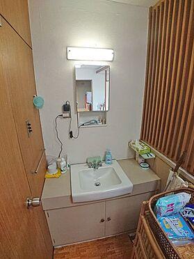 中古マンション-伊東市岡 清潔感のある洗面スペースもございます。