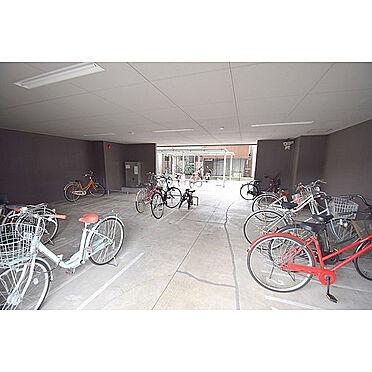 マンション(建物一部)-大阪市旭区清水5丁目 雨風で汚れない屋内駐輪場