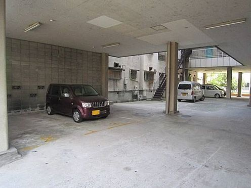区分マンション-大阪市西成区南津守5丁目 広々とした駐車場