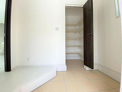 中古一戸建て-日進市岩崎町野田 すっきりとした玄関でお客様をお迎えできます。