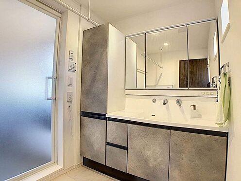 中古一戸建て-豊明市栄町殿ノ山 収納力と機能性にすぐれた洗面所です