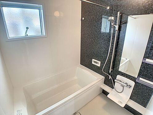 戸建賃貸-西尾市平坂町奥天神 清潔感あふれる浴室で、毎日の疲れを癒してくれます。
