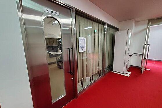 リゾートマンション-熱海市熱海 美容室もあり、マンション内で色々と楽しめるのも良いです。