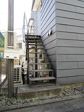 アパート-新宿区富久町 2階用階段(北側)